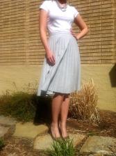 LG in flowy skirt